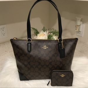 Coach Signature City Zip Tote and Wallet Set